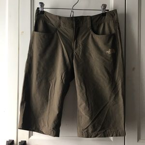 NWOT North Face technical shorts